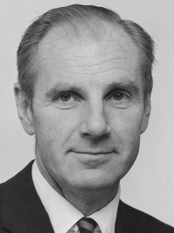 Ulf Lindblom, Sweden